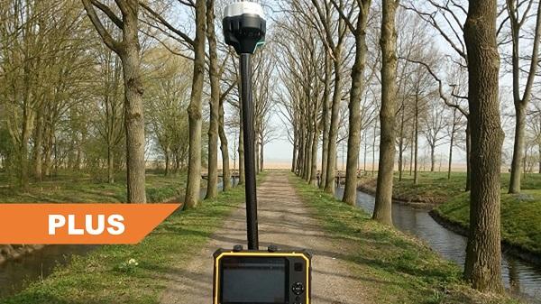 Compleet Plus GPS systeem in laan