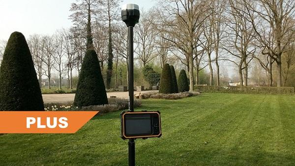 Compleet Plus GPS systeem in kasteeltuin