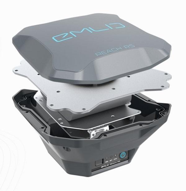 Geopende GPS ontvanger uit GPS systeem voor landmeten