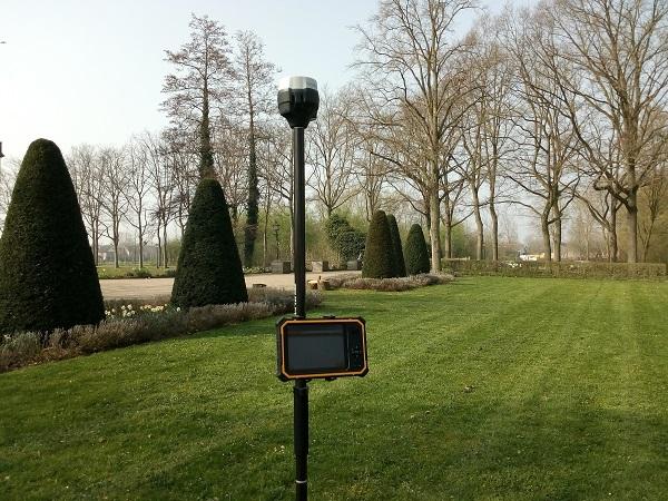 GPS meetsysteem in het veld