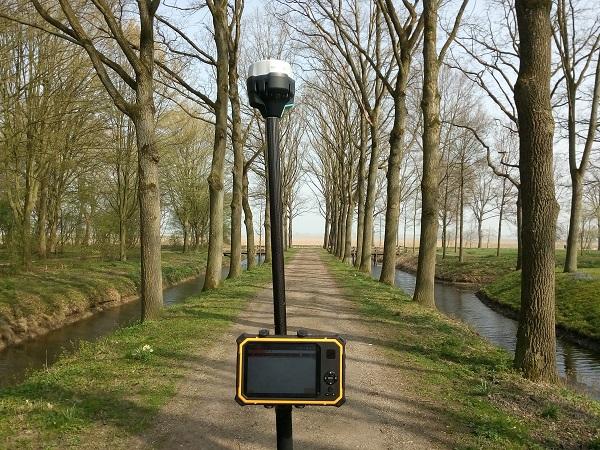 GPS meetsysteem in laantje
