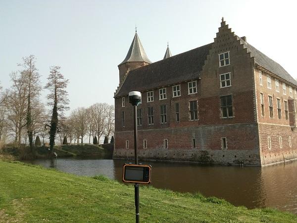 GPS meetsysteem voor kasteel